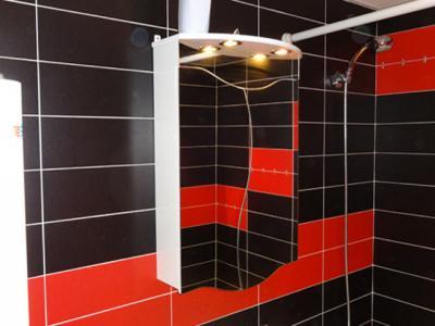 Ремонт на баня - залепване на плочки