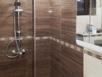 Лепене на плочки и монтаж на уреди в баня