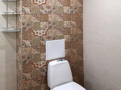 Ремонт на баня с лепене на декоративни плочки