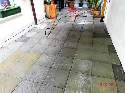 Почистване с пароструйка на под